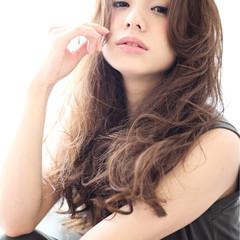 ロング ゆるふわ 大人かわいい パーマ ヘアスタイルや髪型の写真・画像