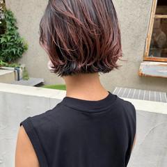 インナーカラー グラデーションカラー 切りっぱなしボブ バレイヤージュ ヘアスタイルや髪型の写真・画像