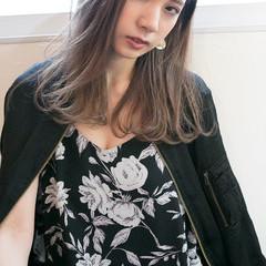 アンニュイ ウェーブ セミロング アッシュ ヘアスタイルや髪型の写真・画像