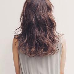 ハイライト インナーカラー パーマ ロング ヘアスタイルや髪型の写真・画像