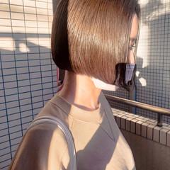 ミニボブ 切りっぱなしボブ ベージュカラー ボブ ヘアスタイルや髪型の写真・画像
