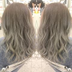 ロング グラデーションカラー エレガント 巻き髪 ヘアスタイルや髪型の写真・画像