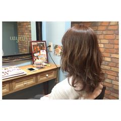 アッシュ アンニュイ ミルクティー エアリー ヘアスタイルや髪型の写真・画像