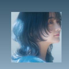 ブルーブラック ウルフカット ミディアム ネオウルフ ヘアスタイルや髪型の写真・画像