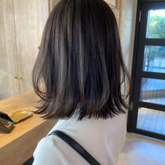 透明感カラー グレージュ ゆるふわパーマ ナチュラル ヘアスタイルや髪型の写真・画像