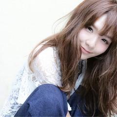 大人かわいい セミロング 外国人風 パーマ ヘアスタイルや髪型の写真・画像