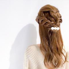 デート セミロング エレガント ヘアアレンジ ヘアスタイルや髪型の写真・画像