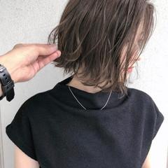 ボブ 切りっぱなしボブ ロブ ミルクティーベージュ ヘアスタイルや髪型の写真・画像
