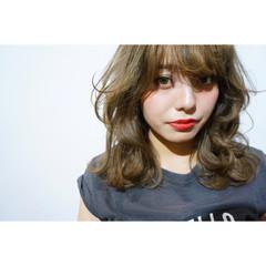 ストレート シースルーバング 外国人風 ミディアム ヘアスタイルや髪型の写真・画像