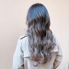 クリームブロンド ナチュラルグラデーション ロング 外国人風カラー ヘアスタイルや髪型の写真・画像