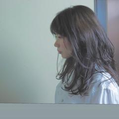 グレージュ フェミニン オフィス セミロング ヘアスタイルや髪型の写真・画像