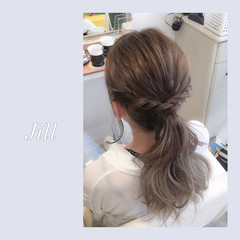 簡単ヘアアレンジ 外国人風 グラデーションカラー グレーアッシュ ヘアスタイルや髪型の写真・画像