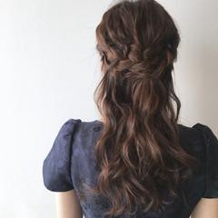 結婚式 簡単ヘアアレンジ ハーフアップ ナチュラル ヘアスタイルや髪型の写真・画像