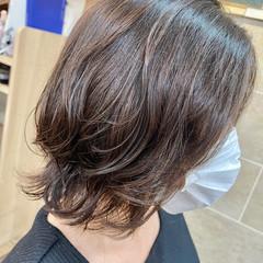 コテ巻き風パーマ 切りっぱなしボブ ウルフカット ショートヘア ヘアスタイルや髪型の写真・画像