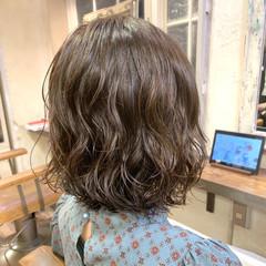 ゆるふわパーマ 外ハネボブ コテ巻き風パーマ ボブ ヘアスタイルや髪型の写真・画像