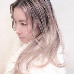 インナーカラー バレイヤージュ グラデーションカラー ハイライト ヘアスタイルや髪型の写真・画像