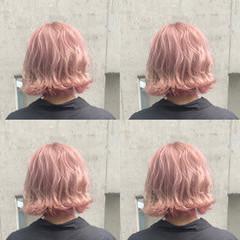 ピンク ピンクアッシュ 外国人風 派手髪 ヘアスタイルや髪型の写真・画像