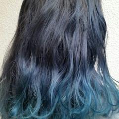 カール ミディアム ブルーアッシュ 春 ヘアスタイルや髪型の写真・画像