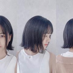 前髪パッツン 切りっぱなしボブ ショート ブルーブラック ヘアスタイルや髪型の写真・画像