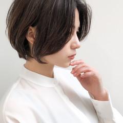 ナチュラル ショート ショートボブ ひし形シルエット ヘアスタイルや髪型の写真・画像
