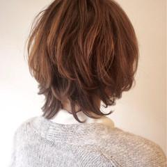 ナチュラル オフィス マッシュ ミディアム ヘアスタイルや髪型の写真・画像