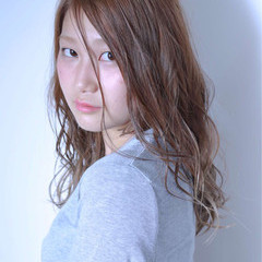 抜け感 大人かわいい 外国人風 ウェットヘア ヘアスタイルや髪型の写真・画像