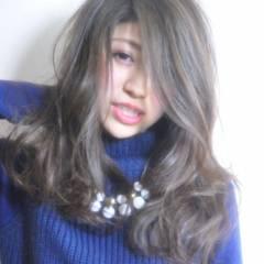ストリート 外国人風 セミロング 秋 ヘアスタイルや髪型の写真・画像