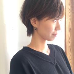 オフィス 小顔 コンサバ ゆるふわ ヘアスタイルや髪型の写真・画像