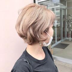ベージュ イルミナカラー ミルクティーベージュ フェミニン ヘアスタイルや髪型の写真・画像