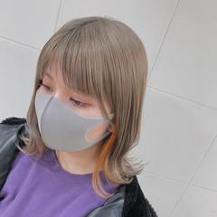ガーリー ブリーチオンカラー シアーベージュ ミディアム ヘアスタイルや髪型の写真・画像