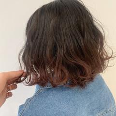ボブ ピンクベージュ ラベンダーピンク 切りっぱなしボブ ヘアスタイルや髪型の写真・画像