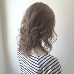 アウトドア オフィス デート セミロング ヘアスタイルや髪型の写真・画像