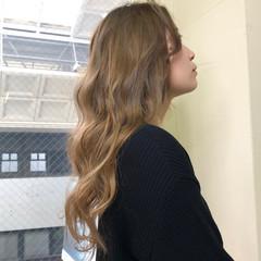 ロング ベージュ ストリート ミルクティーベージュ ヘアスタイルや髪型の写真・画像
