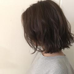 外ハネ 抜け感 ナチュラル グレージュ ヘアスタイルや髪型の写真・画像