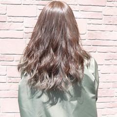 透明感 ミディアム アッシュ ハイトーン ヘアスタイルや髪型の写真・画像