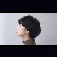 ショート 黒髪 暗髪 フェミニン ヘアスタイルや髪型の写真・画像