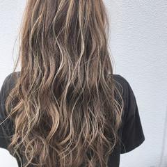 圧倒的透明感 アッシュグレージュ ロング バレイヤージュ ヘアスタイルや髪型の写真・画像