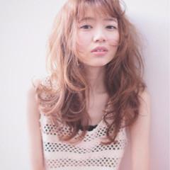 ガーリー 前髪あり フェミニン ハイライト ヘアスタイルや髪型の写真・画像