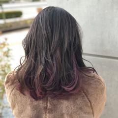 グレージュ 暗髪 インナーカラー フェミニン ヘアスタイルや髪型の写真・画像