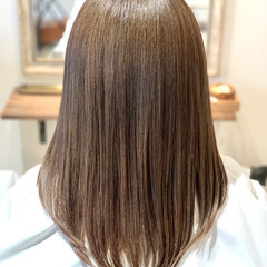 ミディアム ナチュラル ミルクティーアッシュ ミルクティーベージュ ヘアスタイルや髪型の写真・画像