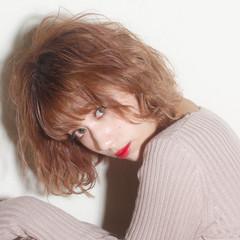 ガーリー  アンニュイほつれヘア 無造作ミックス ヘアスタイルや髪型の写真・画像
