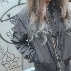 ブルーアッシュ ホワイトアッシュ ロング ストリート ヘアスタイルや髪型の写真・画像