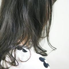 アッシュ ゆるふわ 大人かわいい 暗髪 ヘアスタイルや髪型の写真・画像