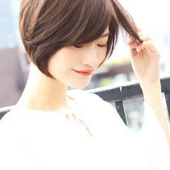 ショートボブ ナチュラル ショートヘア 簡単スタイリング ヘアスタイルや髪型の写真・画像