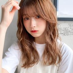 ミディアム パーマ 流し前髪 デジタルパーマ ヘアスタイルや髪型の写真・画像
