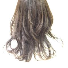 グラデーションカラー ストリート セミロング 暗髪 ヘアスタイルや髪型の写真・画像