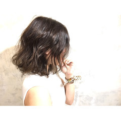 暗髪 外ハネ ボブ 外国人風 ヘアスタイルや髪型の写真・画像