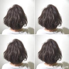 ボブ 外国人風 グレージュ 暗髪 ヘアスタイルや髪型の写真・画像