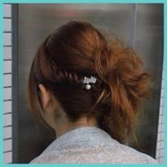 編み込み ナチュラル 大人かわいい セミロング ヘアスタイルや髪型の写真・画像