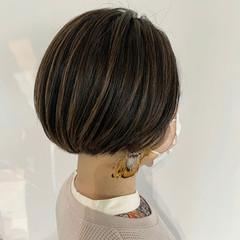 ショート ショートボブ インナーカラー コントラストハイライト ヘアスタイルや髪型の写真・画像